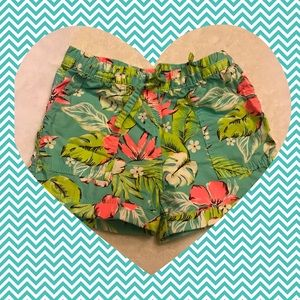 Little girls Hawaiian pattern shorts 🌺